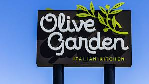 olive garden owner darden restaurants tops on earnings but s light stock news stock market ysis ibd
