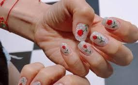 White Rose Nail Design 7 Easy Nail Designs That Feel Like Summer Fashionisers