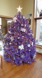 OMG: You Can Get REAL Purple + Pink Christmas Trees at This Tree Farm |  Brit + Co