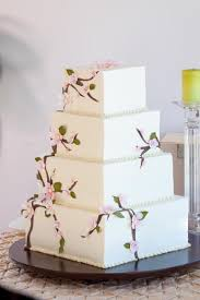 Big Huge Wedding Cake Classic And Elegant Cakes Wedding Cakes