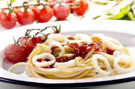 паста с кальмарами в сливочном соусе