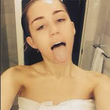 celeb no makeup selfies miley cyrus looked fresh faced as she shared a photo on her 32 no makeup celebrity selfies that are totally gorgeous