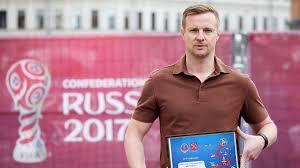 Футболист состоит в символическом «клубе льва яшина», куда входят советские и российские вратари, которые сохранили ворота. Zhizn Protekaet Kak To Mimo Trevozhnyj Post Eks Vratarya Zenita Vyacheslava Malafeeva Eurosport
