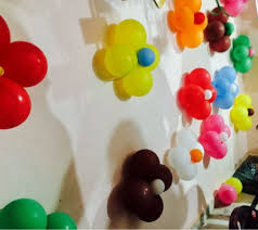 birthday wall decoration with flower balloon