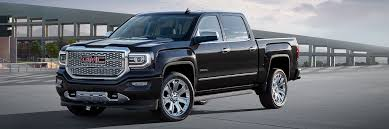 Sierra Denali Ultimate Pickup – GMC Life