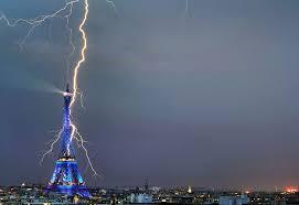 Resultado de imagen de imagenes de rayos de electricidad