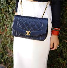 chanel vintage bag. instagram: theresaknows chanel vintage bag