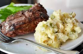 طريقة عمل ستيك اللحم مع البطاطس