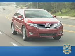 2009 Toyota Venza Review - Kelley Blue Book - YouTube