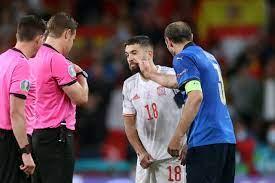 بالفيديو: كيليني يهاجم جوردي ألبا - فوتبول إيطاليا