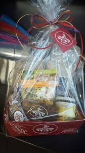 great harvest bread of kingwood is giving away a gift basket full of goos the basket contains erscotch biscotti en soup mix pancake mix and