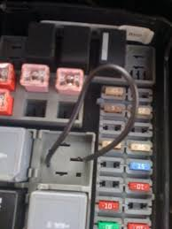 eas compressor replaced but doesn t come on land rover forums click image for larger version lr3 relay 7 in engine fuse box jumper to