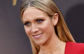 the genius way brittany snow gets tan without going in the sun and no not with self tanner