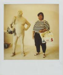 how did duane hanson create such hyper-realistic sculptures of tourists and  sunbathers? - i-D