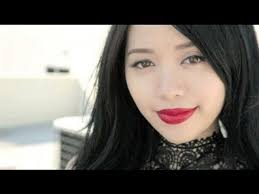 perfect red lips mice phan is wearing color design matte lipstick in red haute she has the perfect lipshape in my opinion