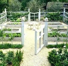 build garden fence en wire garden fences en wire fence for vegetable garden build garden fence