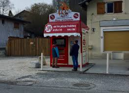 Make Your Own Pizza Vending Machine Enchanting Life In France A Pizza Vending Machine In The Countryside