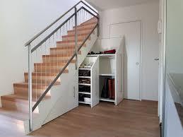 Für das neue baumhaus meiner kinder habe ich eine holztreppe aus douglasie errichtet. Schrank Unter Treppe Integrieren 25 Schlaue Ideen