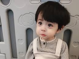 Bé trai Hàn Quốc đáng yêu, trở thành ngôi sao quảng cáo trên mạng - Gương  mặt trẻ