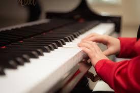 Alat musik harmonis semuanya adalah alat musik melodis. Pengertian Alat Musik Harmonis Fungsi Contoh Dan Cara Memainkan Semua Halaman Kids