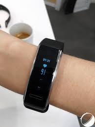 huawei band 2 pro. le cardiofréquencemètre prend en temps réel et continu votre rythme cardiaque, même dehors de l\u0027effort afin surveiller santé. band 2 pro huawei o
