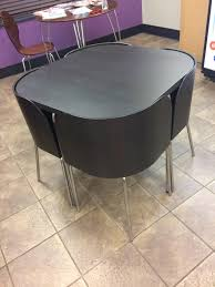round table chairs fit under designs