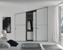 Idee Dipingere Mansarda : Camere da letto moderne per mansarde interior design bisceglie