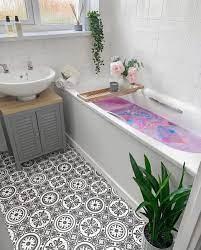 Mum transforms her boring bathroom into ...