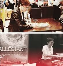 veronica roth signing allegiant posters divergent humor