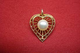 14k yellow gold with cultured pearl heart pendant vintage beauty federal coin exchange