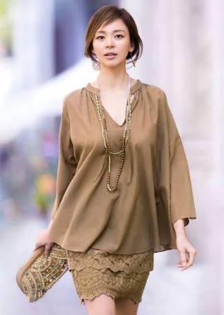 茶色い服のSHIHO
