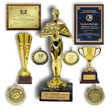 Изготовление сертификатов гравировка шильды Медали в Барнауле  Медали гравировка шильды накладки на призы кубки сувениры дипломы сертификаты