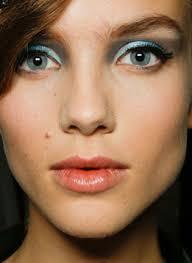 Milano, 24 settembre 2012 – Il primo appuntamento della settimana è in Rinascente Duomo con la make up artist Linda Cantello per provare il nuovo trucco ... - Giorgio-Armani-bks-av