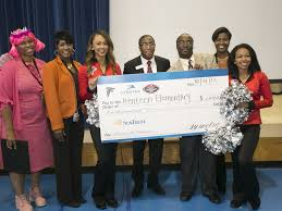 atlanta elementary school teacher benteen elementary school teacher jason paggett honored as symetra