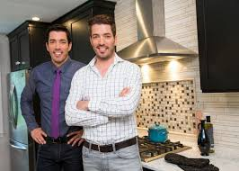 property brothers jonathan and drew scott do a man cave makeover