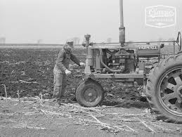 Snapshot of History! 1940 Farming With Farmall F-20 And Mounted 2 Row  Planter – Classic Tractor Fever TV