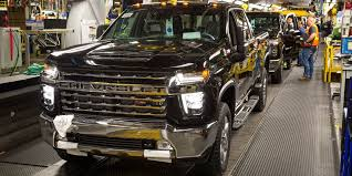 GM invests US$150 million to increase heavy-duty pickup production ...
