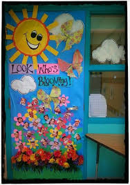 Spring classroom door decorations Back To School Lookwhosbloomingspringdoordecoration Myclassroomideascom Pinterest Lookwhosbloomingspringdoordecoration Myclassroomideascom