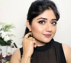 gold party makeup look