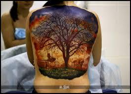 татуировка на спине у девушки дерево фото рисунки эскизы