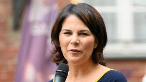 Annalena charlotte alma baerbock is a german politician. Annalena Baerbock Entschuldigt Sich Fur N Wort In Interview Stern De
