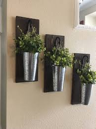 Rustic Wall Decor hanging Plants for a farmhouse style.