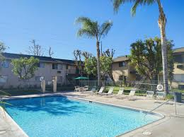 pool sierra gardens apartment homes