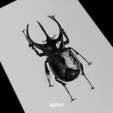 фото эскизы жук в стиле реализм татуировки на ноге татуировки на
