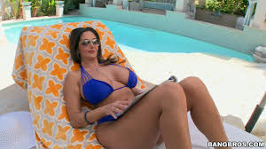 Curvy Curvy hotties in sizzling hot free XXX videos.