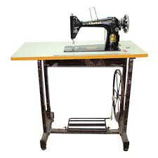 Sewing Machine With Stand Table
