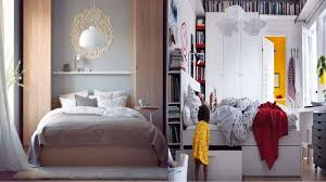 White Bed Linen In Modern Bedroom With Bedcover Also Blacnket Also Desk  Lamp Also Storages Under ...