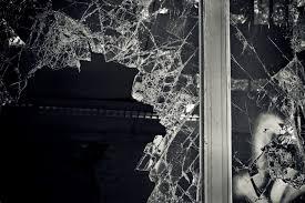 glass replacement dubai