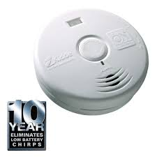 this review is from worry free 10 year sealed battery smoke detector with safety light