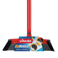 Der vileda virobi 136135 kann ihnen am besten in geschlossenen räumen ohne sturzmöglichkeiten helfen. Vileda Besen Gunstig Online Kaufen Vileda